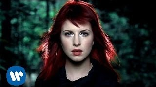 Paramore: Decode [OFFICIAL VIDEO](Paramore's music video for 'Decode' from the soundtrack to Twilight - available now on Atlantic Records. Go behind the scenes of this video at ..., 2008-10-31T17:38:41.000Z)