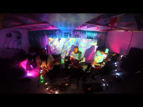 aave live @ Queen Ave Art Collective