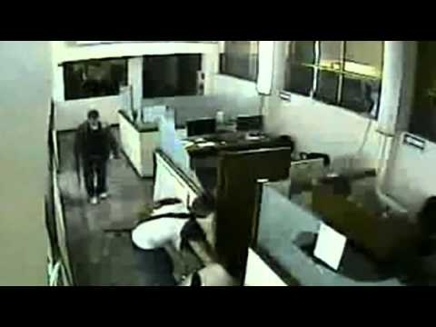 CCTV: Mexican drugs cartel burn newspaper offices