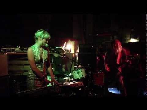 Evelinn Trouble & Television Religion @ Binz Zürich 16.06.2012