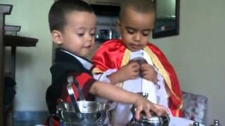 Cậu bé trai 3 tuổi làm lễ - Niño Sacerdote   (Misa de Samuel Jaramillo Completa)