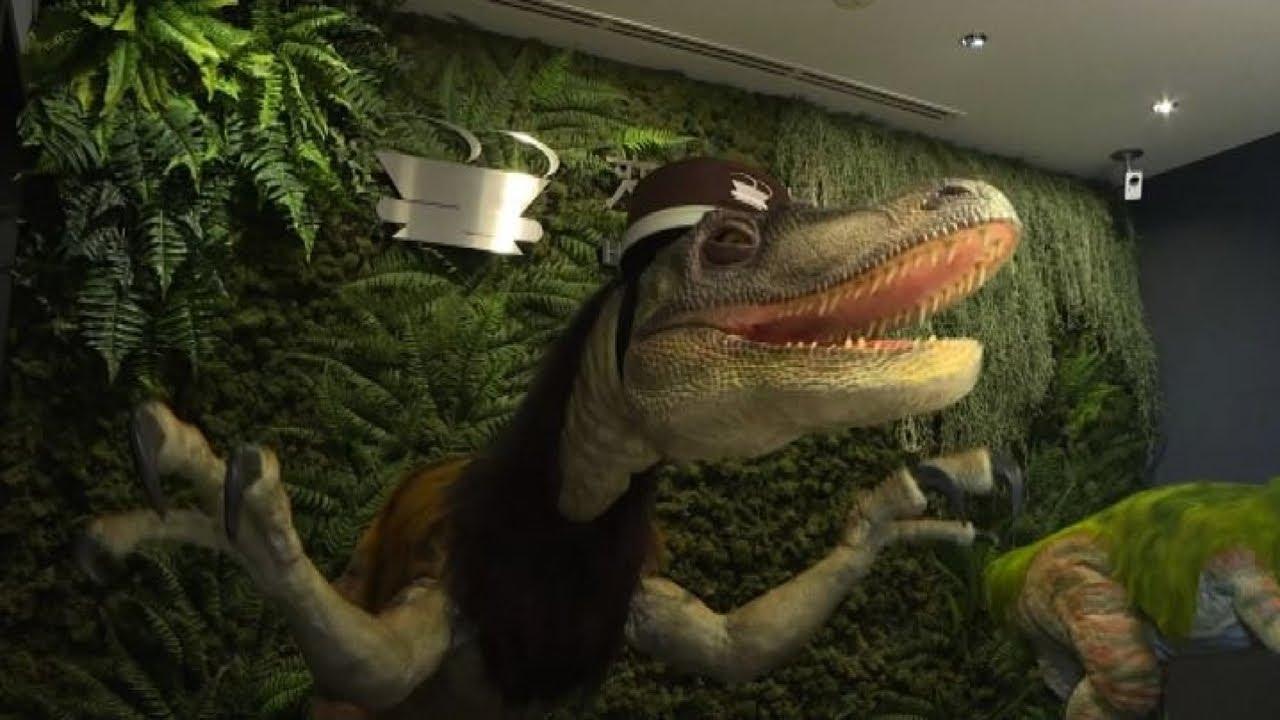 L hotel in giappone gestito dai robot dinosauri youtube