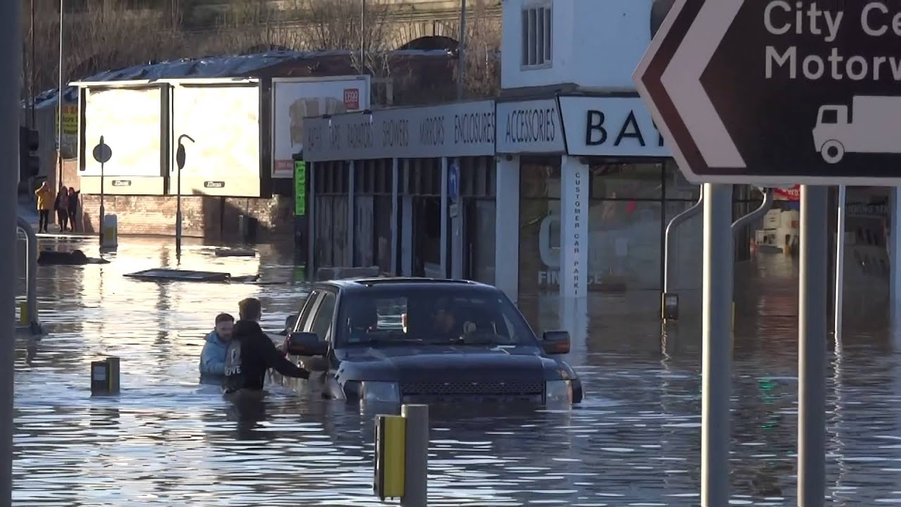 flooding in leeds boxing day 2015