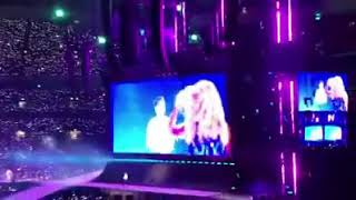 niall horan performing slow hands with taylor swift at reputation tour london