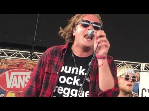 Too Close To Touch - Hell To Pay (partial) - Live at Warped Tour 2016