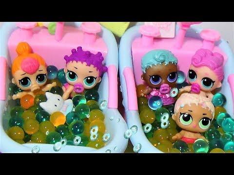 видео: Малышки ЛОЛ купаются в ванночках с Орбиз. #Куклы ЛОЛ мультики #детский сад ЛОЛ