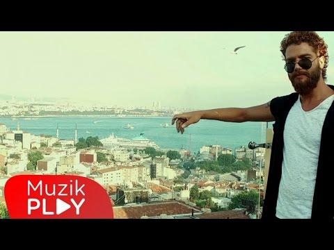 BENİM HAYATIM- Hatice Kaya / Karaköy hayatın normal akışındayken / sokak sanatçıları - Sokak sanatı