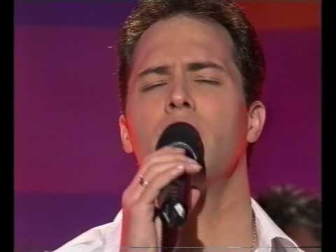 John Stephan - GMA singing Crying (Roy Orbison)