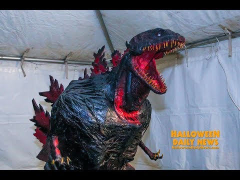 Mad Monster Party 2019 Costume Contest Winner Interview | Halloween Daily News