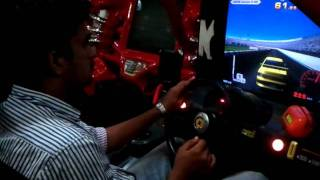 playing car race in oberon mall at cochin.mp4
