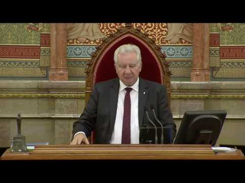 Bayer Zsolt kitüntetéséről - Semjén Zsolt válasza
