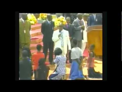 Bishop Oyedepo slapped and humiliated girl.