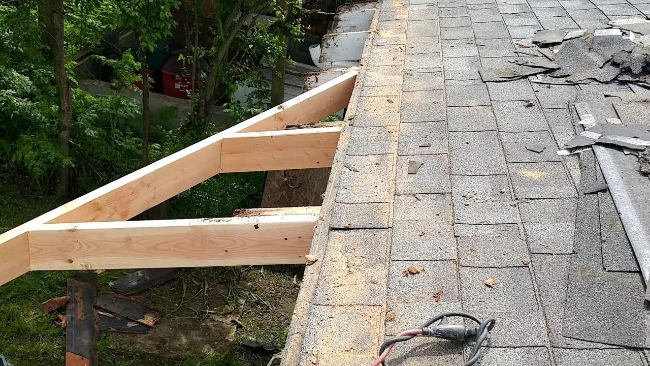 Building of a roof addition over an existing concrete ...