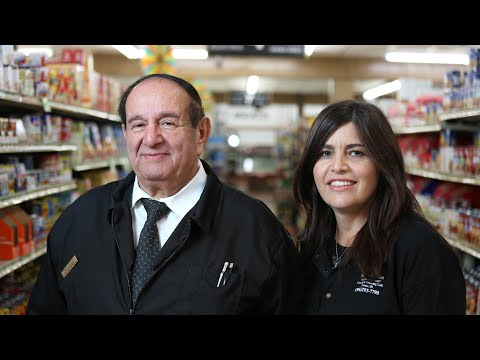 Feds Raid Family Grocery Store's Checking Account Over Innocent Bank Deposits