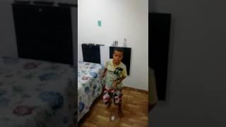 Meu filho Andrey cantando Mc Gui