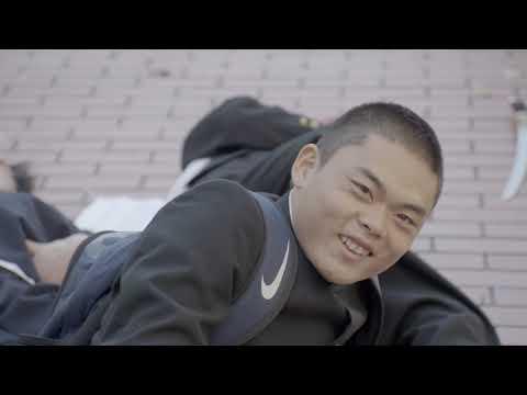 雨が降ったら、虹をかけよう。 前野朋哉監督ショートフィルム「となりの岡山田くん」公開。 岡山の高校生たちが岡山のPR動画をつくる青春物語。 みんなで盛り上げんと、お ...