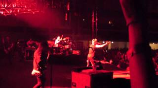 Скачать Cardiff 2010 Thirty Seconds To Mars Closer To The Edge MP4