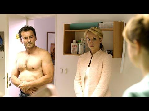 Bezva ženská na krku - oficiální HD trailer