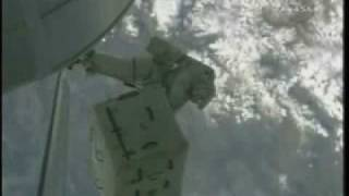 Astronaut loses toolbag in Grease-gun incident