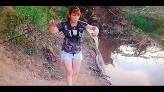 Моя первая щука рыбалка в коряжнике на Урале
