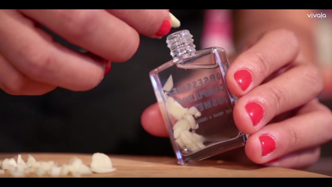 Strengthen your nails with this DIY garlic polish - YouTube