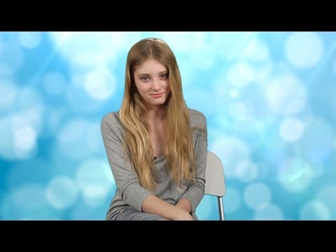 The Hunger Games star Willow Shields Talks Life on Set - YouTube