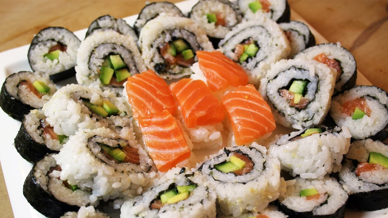 comment faire des sushi et california rolls fastgoodcuisine youtube. Black Bedroom Furniture Sets. Home Design Ideas