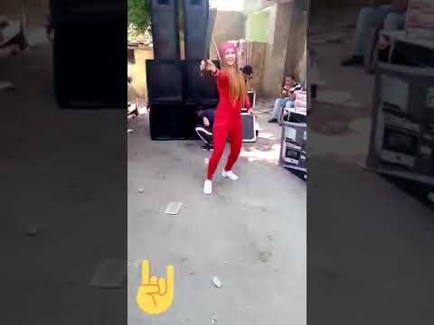 بنت ترقص بسكين فى فرح شعبي thumbnail