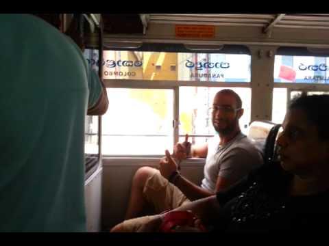 Day 12 - Colombo - strane presenze alla radio