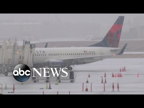 Northeast airports at standstill amid winter storm