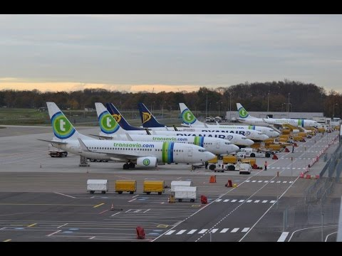 (HD) One hour plane spotting at Eindhoven Airport - 12-11-2015