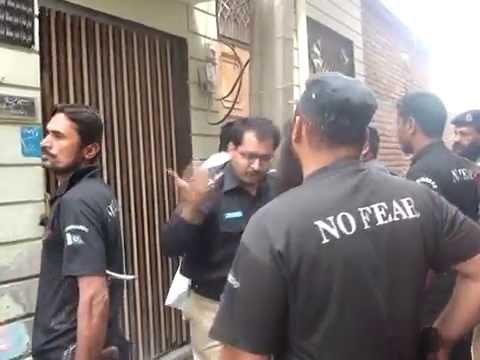 Funny Police Raid in Pakistan