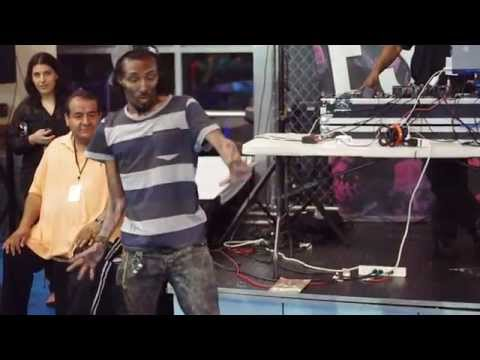 Marquese Scott and Dragon House Perform at the Escape FanFest