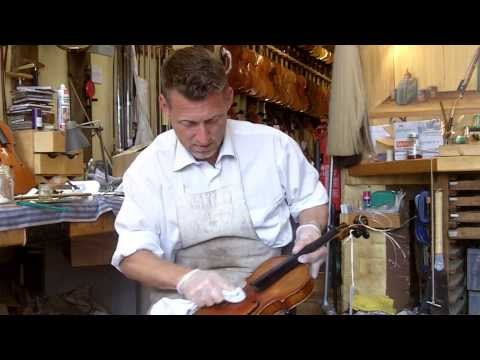 How to Clean Your Violin By A Professional Violin Luthier!