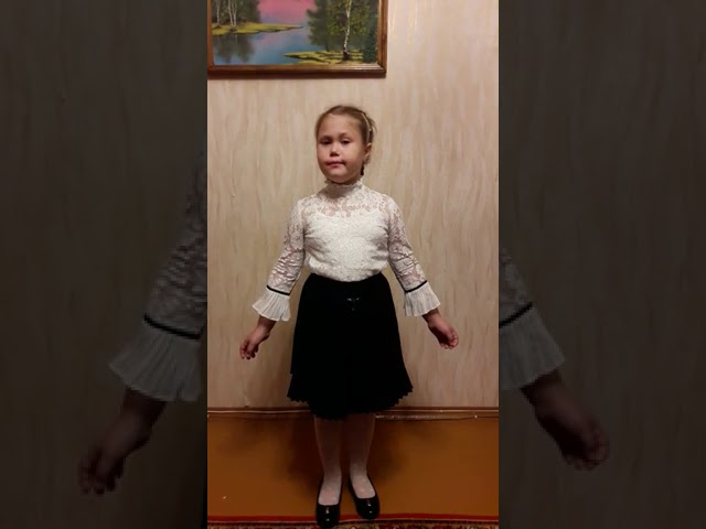 Изображение предпросмотра прочтения – МарияМедведева читает произведение «Зима» С.А.Есенина