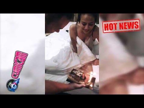 Hot News! Pacar Beri Kejutan Ultah, Baju Vanessa Angel Bikin Gagal Fokus - Cumicam