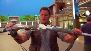 Chris Pratt - Jurassic World PROPS & Behind the Scenes