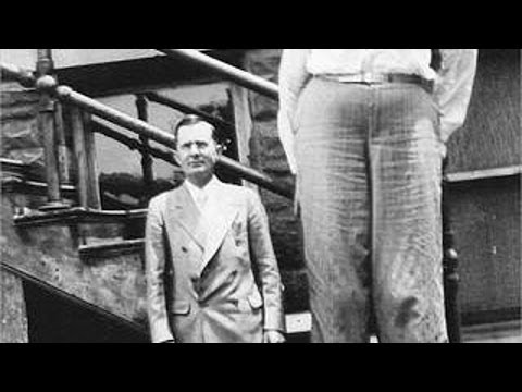 World's TALLEST MAN to have ever lived! Robert Pershing Wadlow