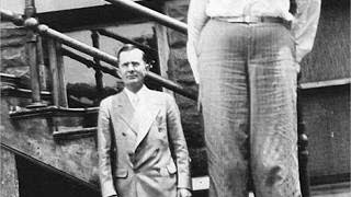 World's TALLEST MAN to have ever lived! (Robert Pershing Wadlow)