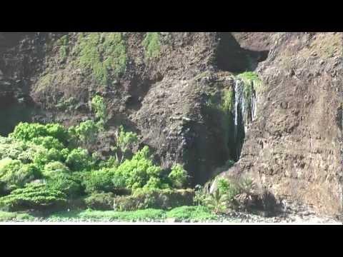 Na Pali Catamaran Tour - Na Pali Coast - Kauai - HD