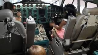 Кабина пилота боинга