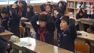 新学習指導要領への移行に伴い、平成30年度から小学校の外国語教育が大...