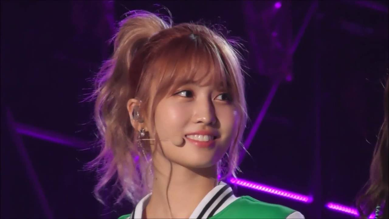 Download 160924 TWICE 모모 ( Momo モモ 平井もも ) spoke in Japanese at INK Incheon K-POP Concert 2016.