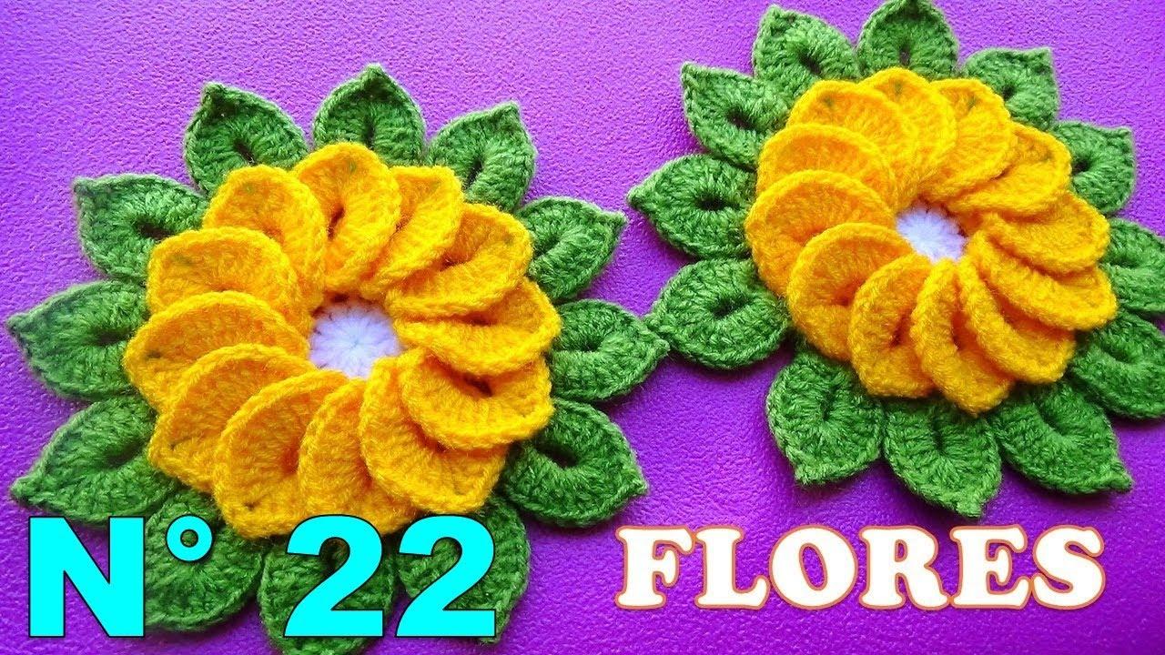 Flores tejidas a crochet de 12 pétalos con hojitas para tapetes y ...