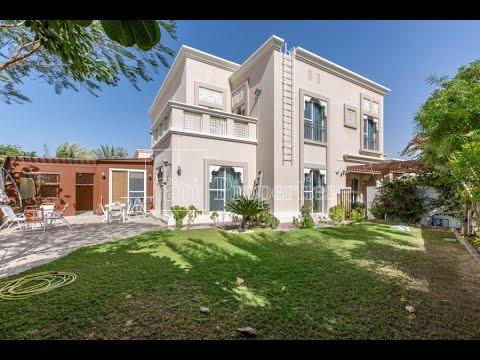 Upgraded Traditional Twin DSO Cedre Villa 3BR+Stud - Dubai Silicon Oasis