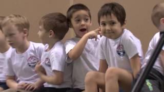 Детские соревнования по прыжкам на батуте на Омском велотреке (FamilyVideo)