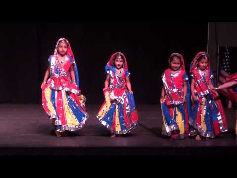 Holiya Mein Ude Re Gulal  - Dance performance by...