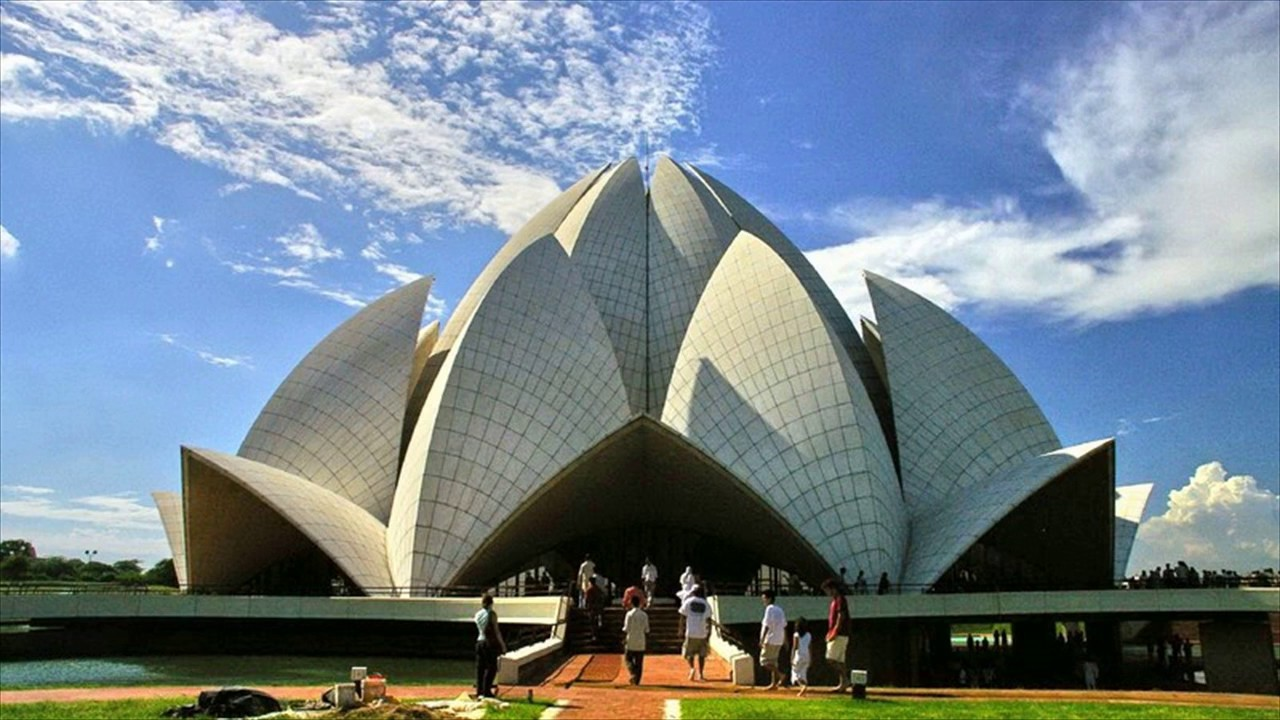 Important place in New Delhi captures your heart - Lotus temple