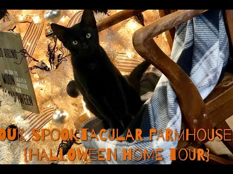 Our Spooktacular Farmhouse! {Halloween Home Tour} 2018