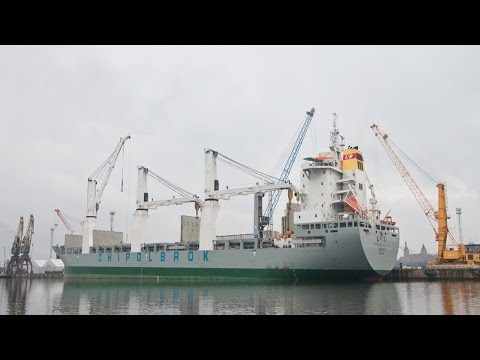 Crane Heavy Lift 700 Tons Chipolbrok Pacific Ship MacGregor Port Szczecin